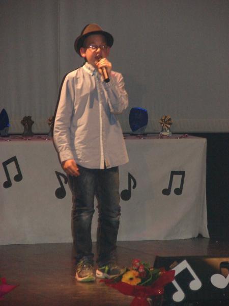 Chanteur catégorie -12 ans à 16 ans