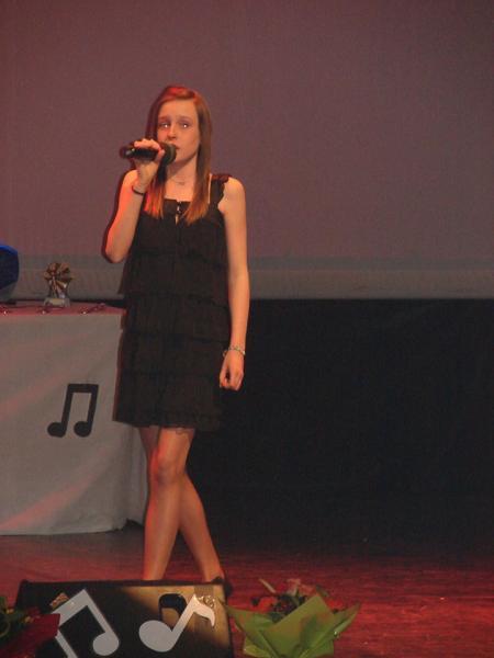 Chanteuse catégorie -12 à 16 ans
