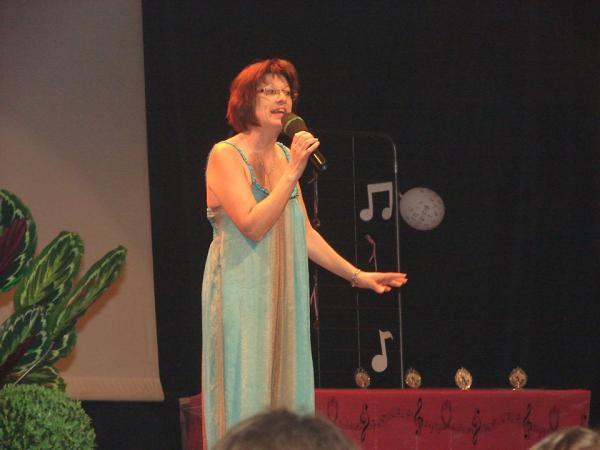 Chanteuse catégorie 51 à 60 ans